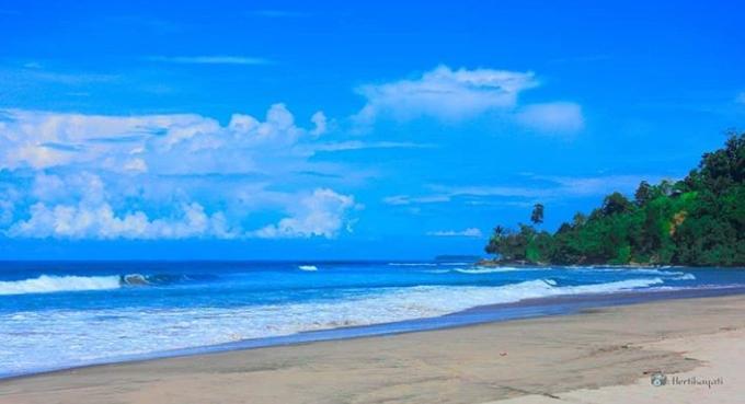 Pantai di Pasaman barat