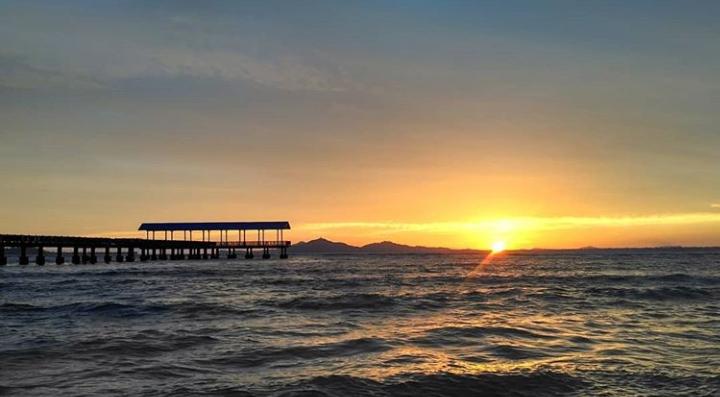Wisata pantai di Pasaman barat