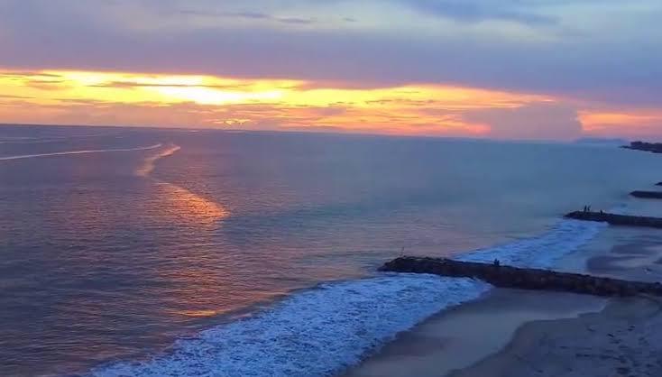 Pantai muaro Binguang