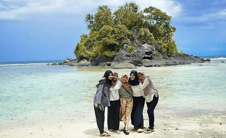 Wisata pulau Cubadak