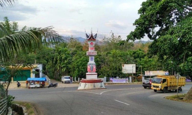 Simpang Tugu Muaro Sijunjung