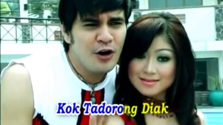 Lagu Minangkabau paling laris